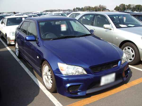 TOYOTA ALTEZZA RS200 SXE10 for sale Japan, uss auto auction of toyota altezza rx200 sxe10