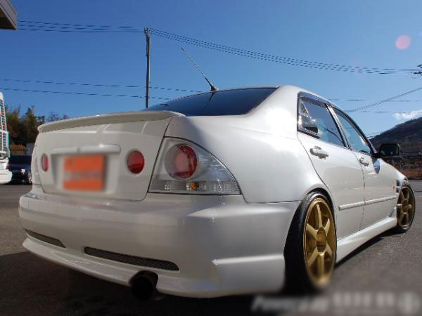 MODIFIED TOYOTA ALTEZZA RS200 SXE10 FOR SALE
