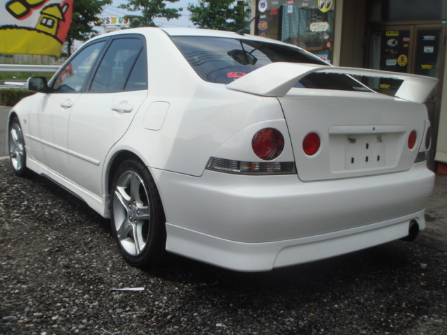 Toyota Altezza Sxe10 For Sale Car On Track Trading